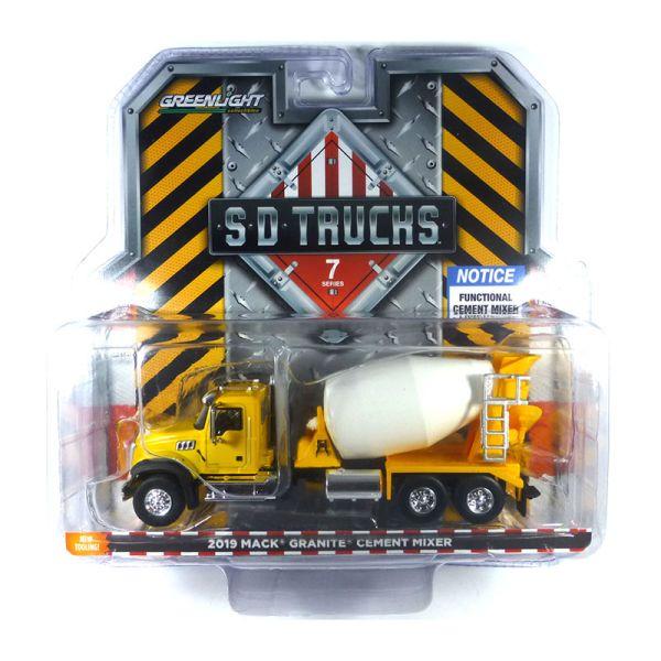 Greenlight 45070-B Mack Granite gelb - SD Trucks Maßstab 1:64