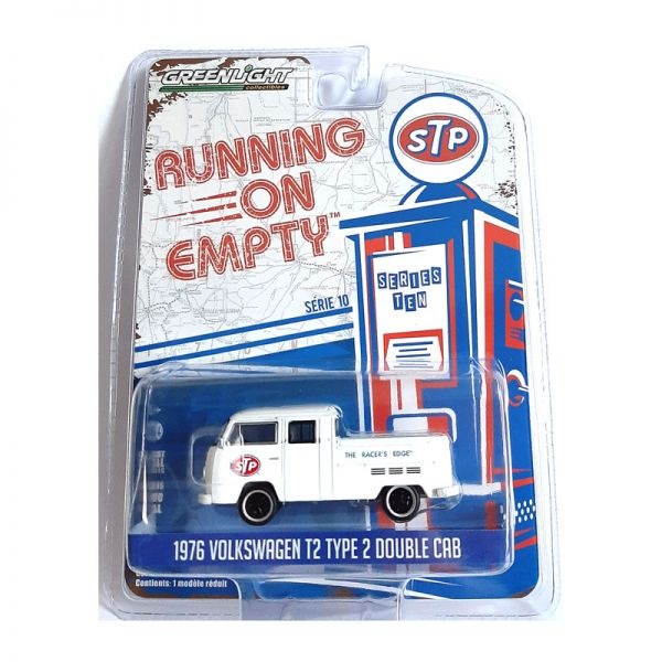 """Greenlight 41100-D VW T2 Double Cab """"STP"""" weiss - Running on Empty Maßstab 1:64"""