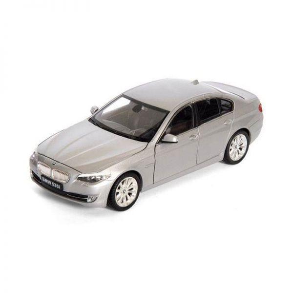 Welly 24026 BMW 535i silber Maßstab 1:24 Modellauto